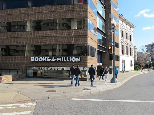 million books closing bookstores buck trend word popville