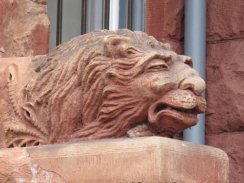 door_lion