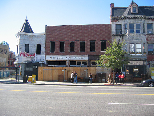 mckey's_antiques_now_policy_14th_st_2007