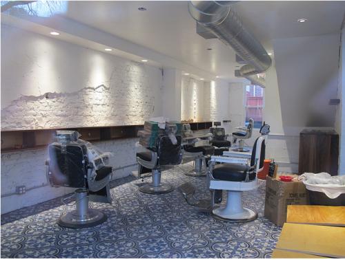slum_historique_barber_chairs