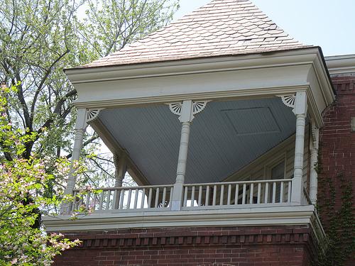 house_corner_balcony_cap_hill