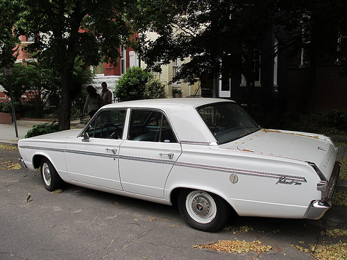 plymouth_valiant_200_side