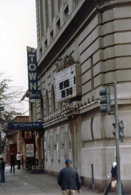 theater0002 alt