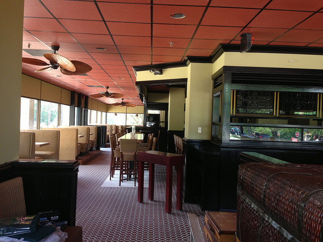 Firelake grill still coming to former ruby tuesday space - Ruby tuesday garden bar and grill ...