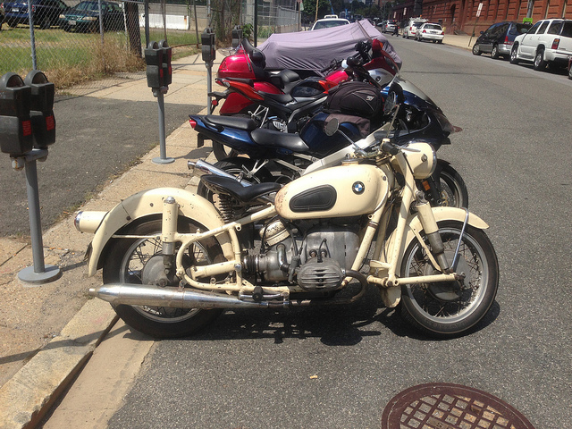 61_bmw_motorcycle_sweet_city_ride