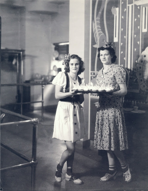 Charlotte Higgs and Billie Williams (1938)
