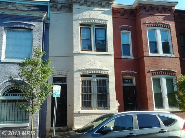 1226 Linden Place Northeast