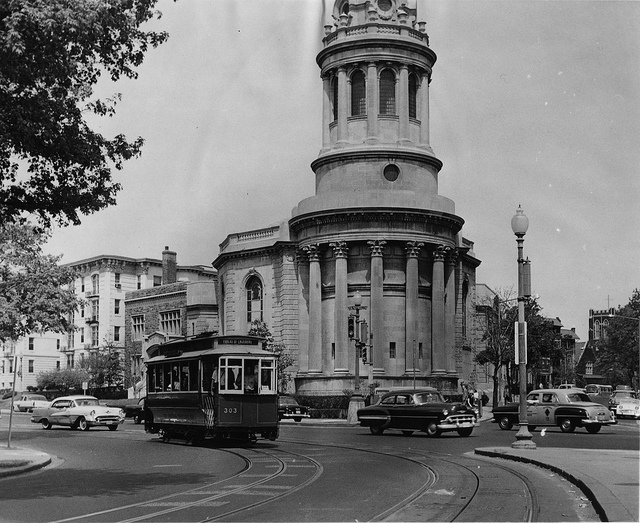 16th_columbia_trolley_1960