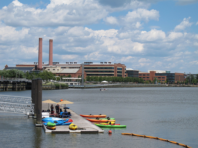 kayak_navy_yard