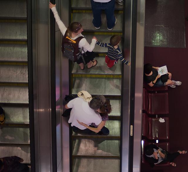 metro_escalator_policy