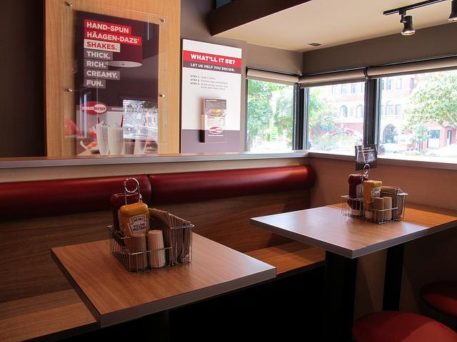 smashburger_dupont_front_shakes