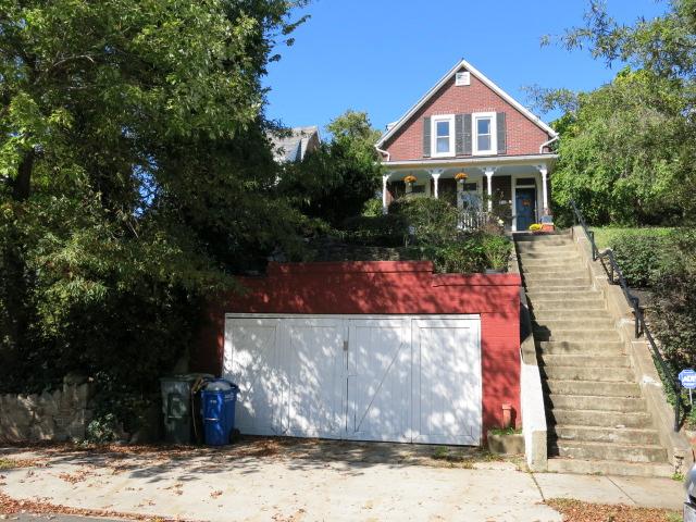 brookland_house_driveway
