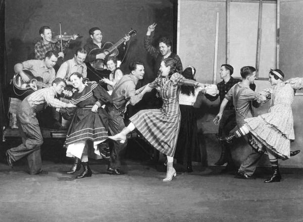 Ridge-runners-square-dancers