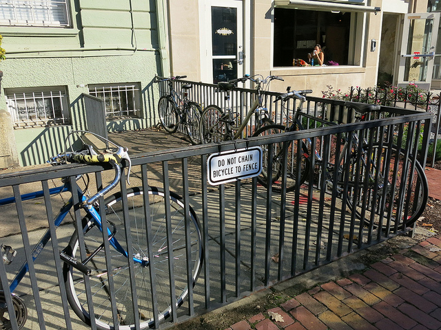 do_not_chain_bicycle_to_fence_t_st