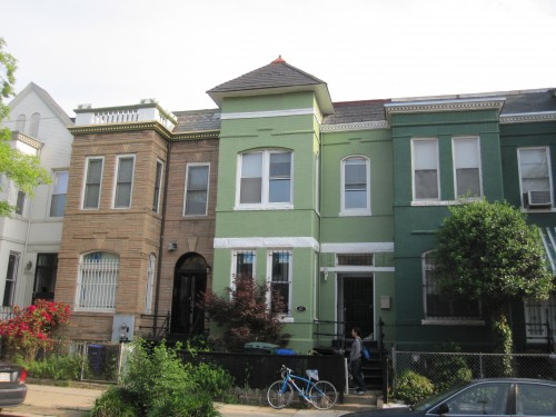 Truxton_circle_rental