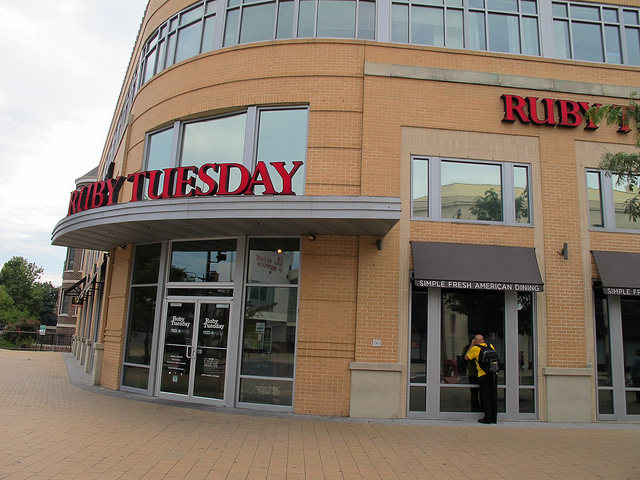 TGIFriday_columbia_heights_ruby_tuesday