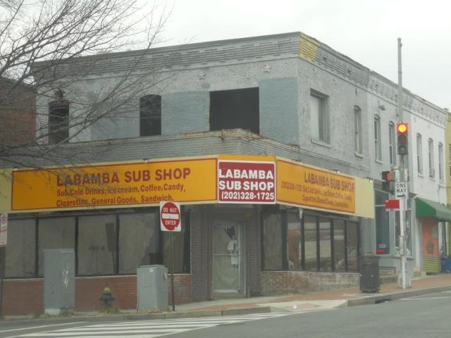 LabambaSubShopBldg-WindowsNotBoardedAndCompletelyOpen-2014-02-14