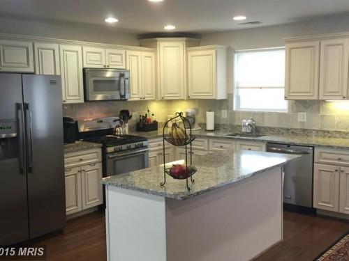 3114 16th Street Northeast kitchen