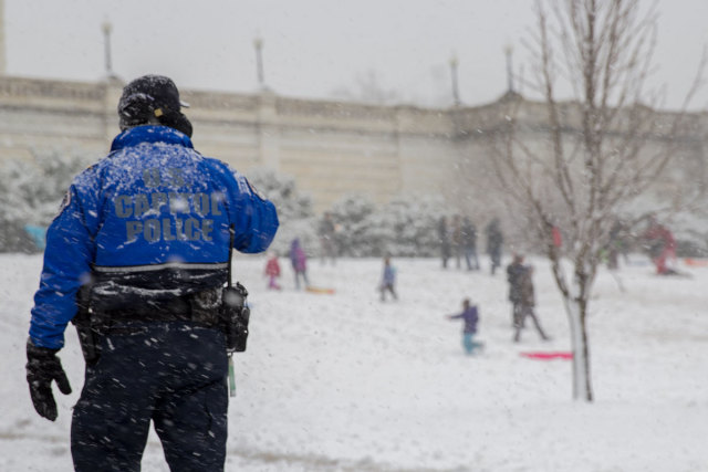 US-Capitol-Police-and-sledders-web