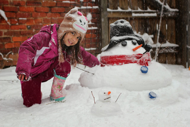 cap-hill-snowman-is-back-030515
