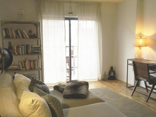 renovated junior one bedroom with a balcony and a renovated bathroom with jacuzzi tub. Pool on roof just in time for the heat!! Only steps to Metro and fabulous inside