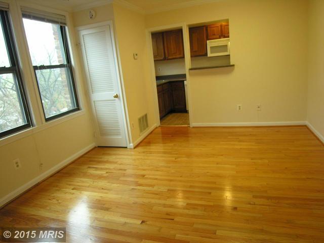 DC8602695 - Living Room
