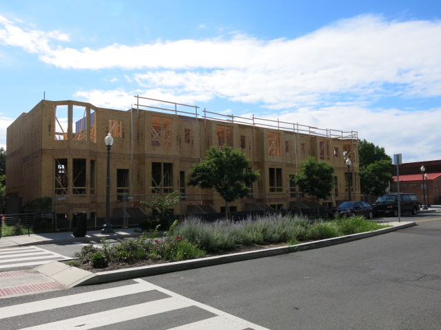 Morton Mews Rising On Sherman Ave Popville