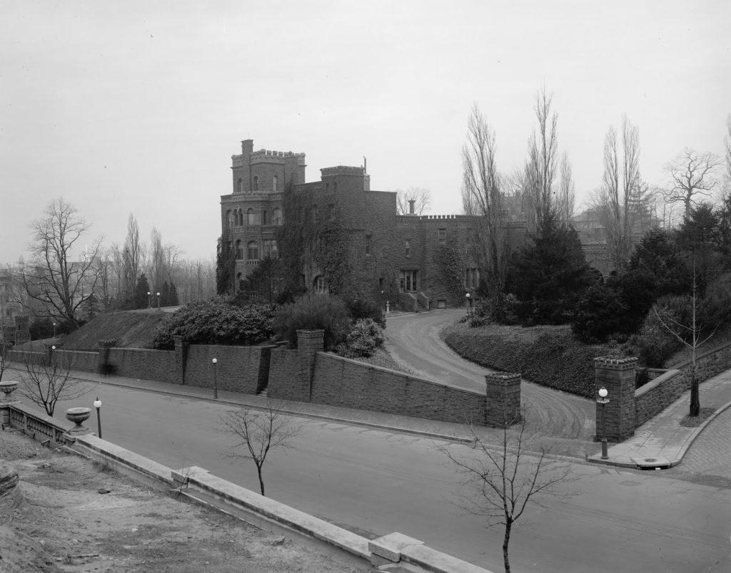 Henderson Castle Barrett Co (Natl Photo Co) c 1921 29767u
