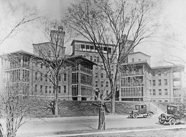 Columbia Hospital (Natl Photo Co) 3c10231u