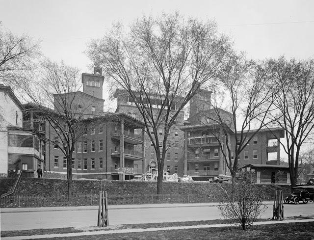 Columbia Hospital c 1916 32030u