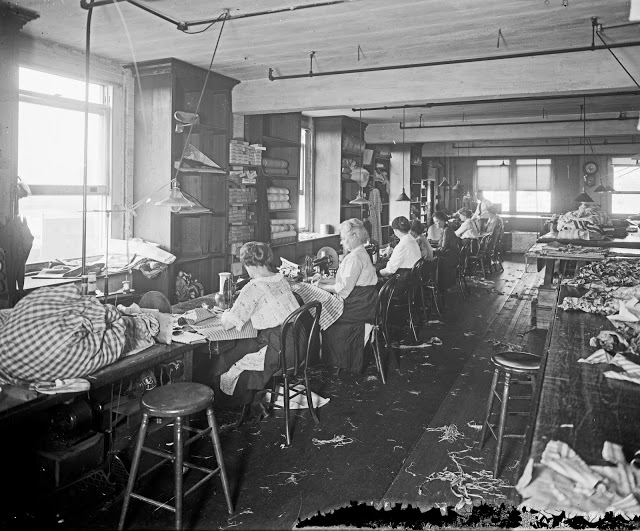 wb-moses-sons-co-interior-loc-c-1915
